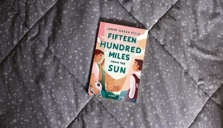 Fifteen Hundred Miles from the Sun: identidad LGBTQIA+ adolescente