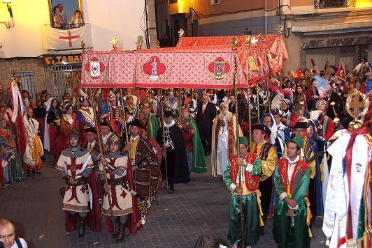 "About the Yearly ""Moros y Cristianos/Moors(Muslims) and Christians"" Festival of Spain(Held in 140 Cities)"