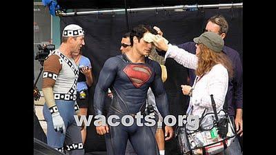 Nueva imágenes de Henry Cavill como Superman