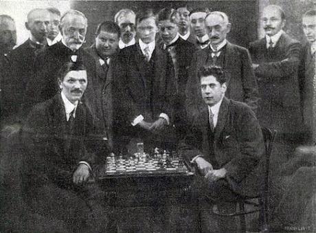 Lasker, Capablanca y Alekhine o ganar en tiempos revueltos (67)