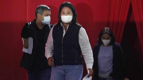Investigan campaña de acoso contra opositores a Keiko Fujimori