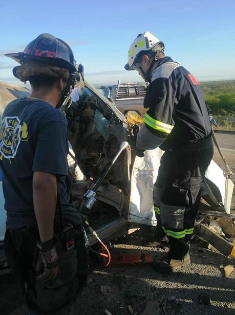 Un menor y dos adultos fallecen en accidente en la Rioverde – Ciudad Valles