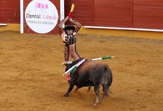 TRIPLE SALIDA A HOMBROS EN LA PRIMERA SEMIFINAL DEL CIRCUITO DE NOVILLADAS DE LA JUNTA