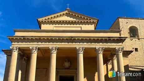 Fachada de la Basílica de San Marino Turismo