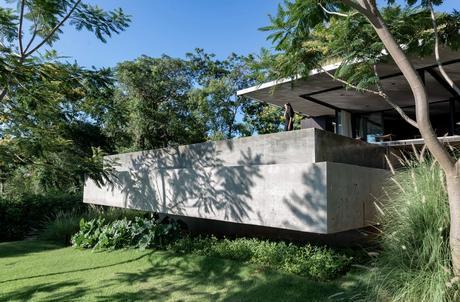 Casa Horizonte, San Bernardino, Paraguay / Arq. Aldo Cristaldo Kegler + Arq. Dario Mereles
