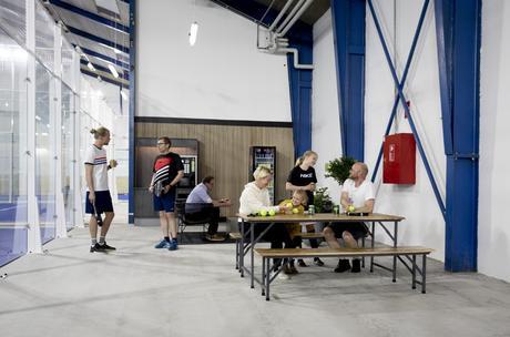 delikatissen sports interiors decor scandinavian padel pistas de pade padel indoors decor pádel dinamarca padel danmark padel court decor padel banner decoracion e interiorismo centro deportivo danish padel centro de padel decoracion
