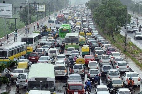 Colas kilométricas en las carreteras de China