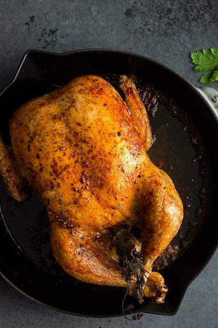Pollo entero al horno con patatas