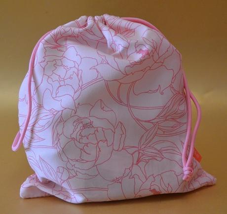"IPSY Glam Bag Plus ""Flower Power"" de Mayo 2021"