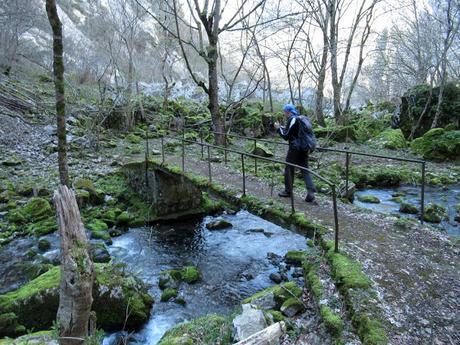 Puente Vidosa-Rubriellos-L´Impuebu-Baenu-El Seu la Cruz del Picu