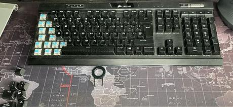 Quita las teclas con un extractor de teclas de teclado