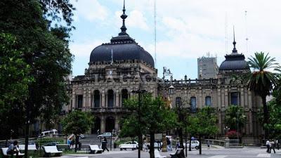 Un palacio en la ciudad