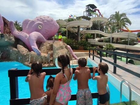 Pasamos el día en el parque acuático Aquarama Benicassim con niños.