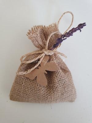 Bolsa de lavanda con etiqueta