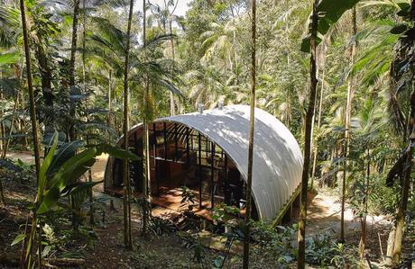 Una casa inmersa en la naturaleza Brasilera: una Estructura Llamada Casa Arca 2