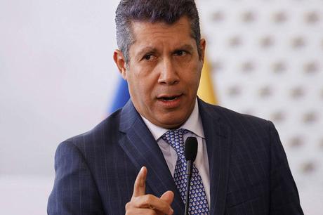 Henri Falcón anuncia su candidatura a la Gobernación del estado Lara