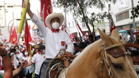 ¿Cuándo jurará Pedro Castillo como nuevo presidente del Perú 2021?