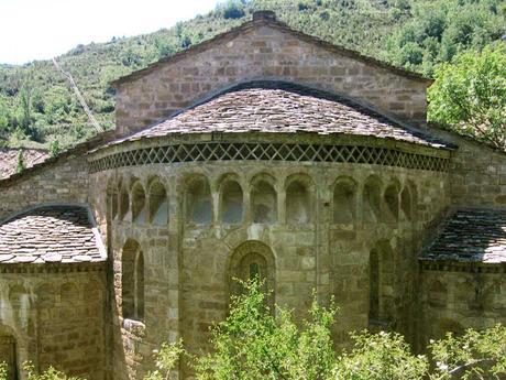 Arquitectura románico-lombarda valle Benasque Pirineo Huesca
