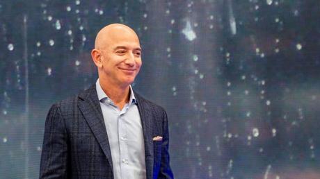 Jeff Bezos ofrece a la NASA 2 mil millones de dólares para que reconsidere a Blue Origin como parte de su carrera lunar