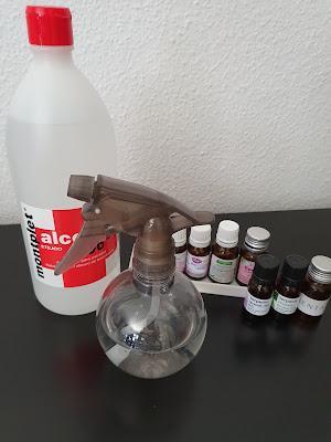 Alcohol de 96º, aceites esenciales y espray