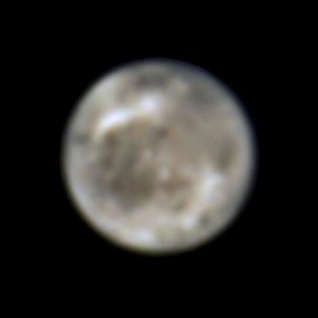 Esta imagen presenta la luna de Júpiter, Ganímedes, vista por el Telescopio Espacial Hubble de la NASA en 1996.