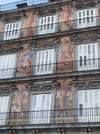 Los frescos de la Casa de la Panadería en la Plaza Mayor de Madrid