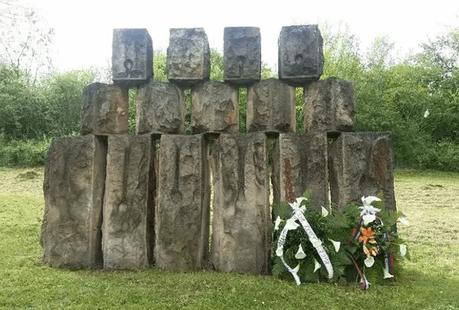 Genocidio gitanos