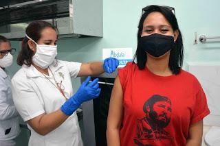 Cuba supera la media mundial de personas vacunadas