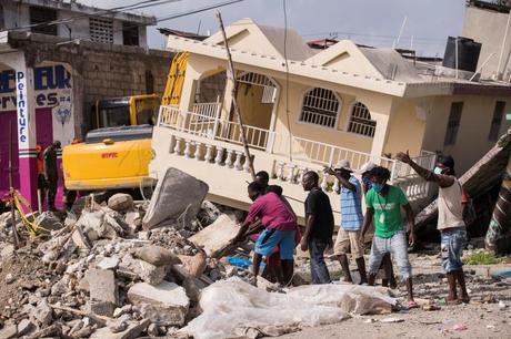 #AyudaEscuchando «Ay Haití!»