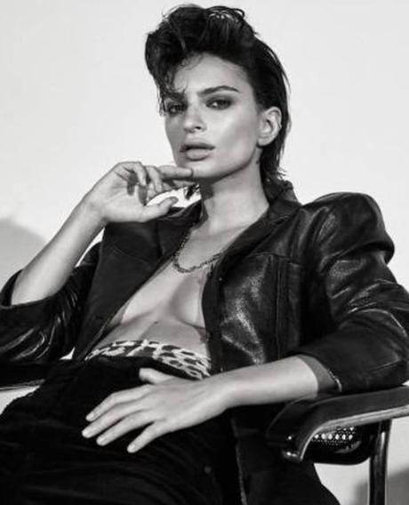 Emily Ratajkowski, la ¿modelo? de ultraizquierda 8