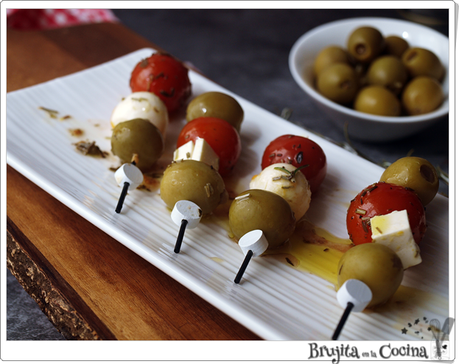 Pincho de aceituna, queso y tomate