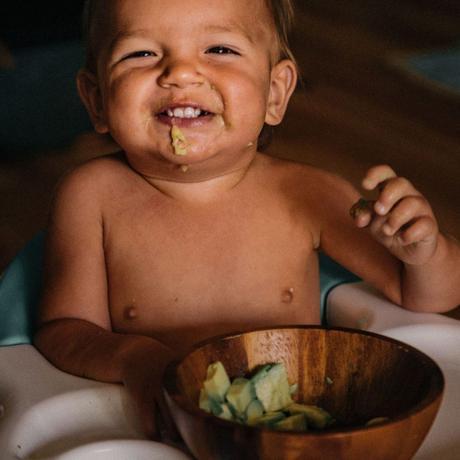 Lo que debes saber sobre cacas y bebés de pecho