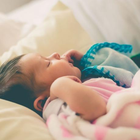 ¿Hasta cuándo puedo dormir con mi bebé?