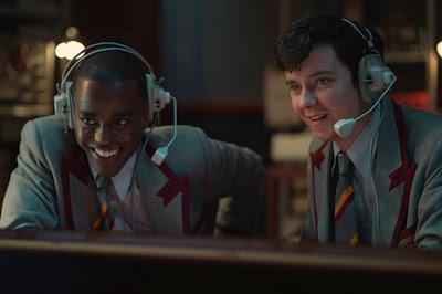 [SERIES] Sex Education (Temporada 3) - Asa Butterfield, Emma Mackey, Gillian Anderson - Netflix
