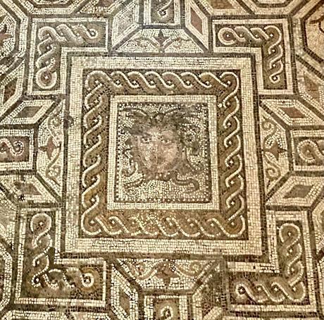 El Palacio de la condesa de Lebrija (13): Sala de Medusa.