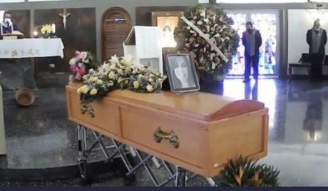 Familiares despidieron a Mariely Chacón, la madre fallecida en el naufragio de La Tortuga
