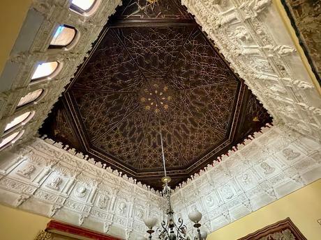 El Palacio de la condesa de Lebrija (16): Escalera principal.