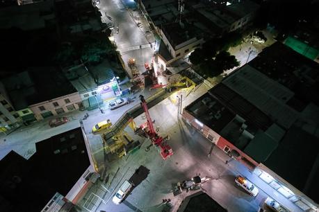 (Galería) Desmantelan el puente peatonal de avenida Reforma
