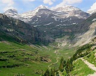 Verano 2021 desde la mascarilla: Viajes menguantes, ánimos crecientes. (2) El valle de Pineta, Monte Perdido y acceso a Francia por el túnel de Aragnouet