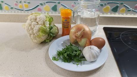 Los ingredientes necesarios para hacer la coliflor en salsa receta casera