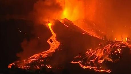 Canarias y la isla de La Palma entran en erupción.