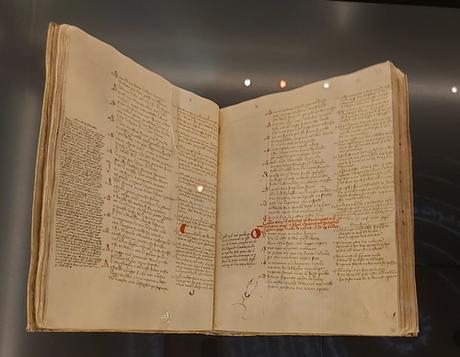 """""""Divina Comedia"""", de Dante Alighieri (Edición bilingüe)"""