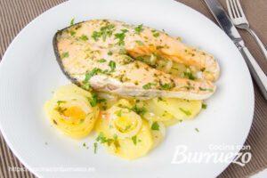 rodajas de salmón al horno con patatas