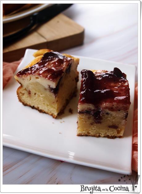 Blondie cheesecake con arandanos