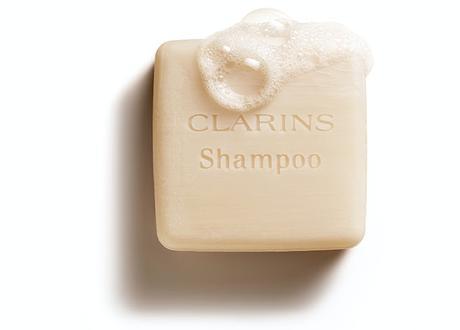champu-solido-clarins-espuma