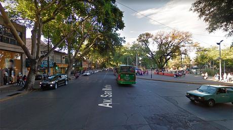 El detenido quedó a disposición de la fiscal de Homicidios Claudia Ríos. (Imagen: Street View)