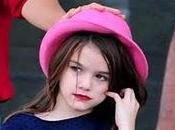 Nueva polemica: hija TomCruise, ahora, maquillada