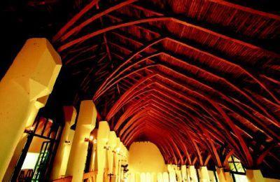 Jászapáti, Kultúrház Jászapáti Cultural Centre (1983) www.makovecz.hu