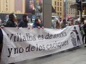 Fotos concentración frente sede denunciando actuaciones antidemocráticas derechistas Alcalde Villalba
