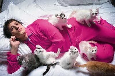 Cute boys with cats: OMG